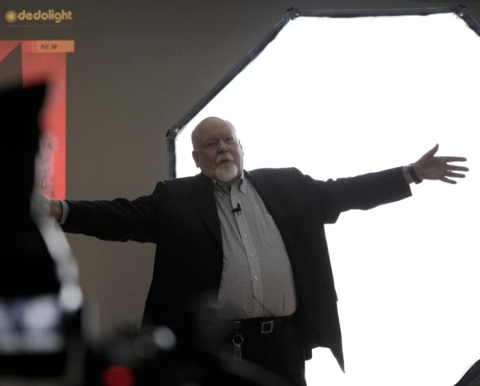 Dedo Weigert mostrando la PanAura 7