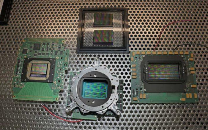 Comparación entre los tamaños de los sensores ARRI ALEVIII (de S35), su revisión A2X (gama LF) y su revisión A3X (ALEXA 65).