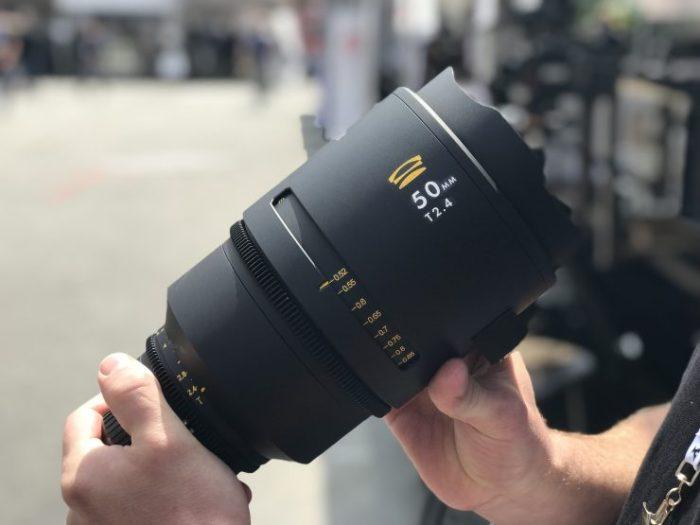 Detalle de las escalas de la Glaswerk One 50 mm T2,4.