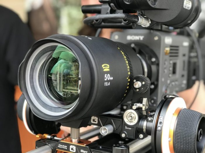 Glaswerk One 50 mm T2,4 montada en una Sony Venice.